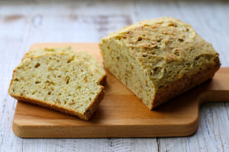 garlic-gold-herb-quick-bread-4