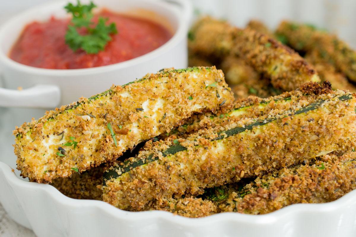 organic-baked-zucchini-fries-garlic